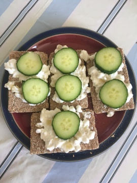 Ryvita, cottage cheese and cucumber